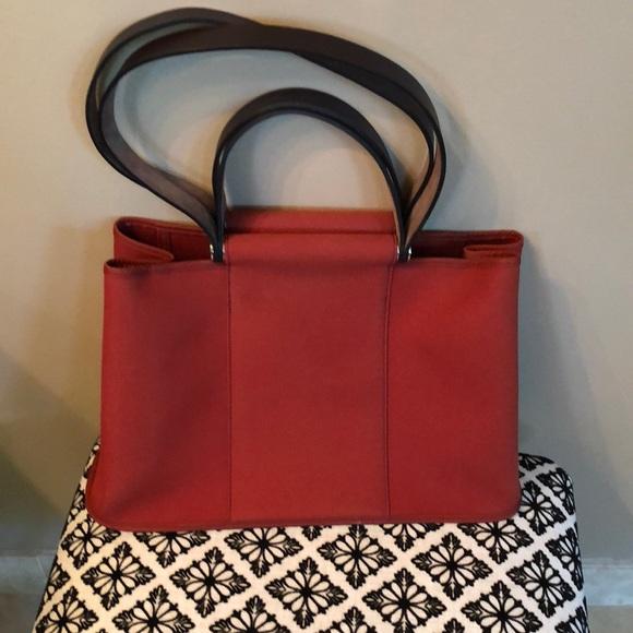 b21a6c4c0995 Hermes Handbags - 💯% AUTHENTIC HERMES Signature Bag